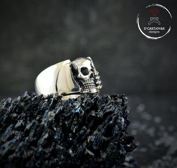 Details about  /Sterling Silver Jewellery Gothic Oxidised Ring with Repeated Skull Design S...