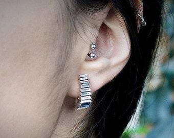 Edges hoop earrings handmade in Sterling silver