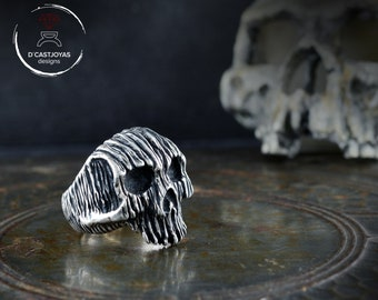 Rustic Silver skull ring with tree bark textures, Badass jewelry