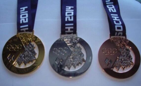Sotchi Jeux Olympiques d/'Hiver 2014 Sotchi Russie Olympique fer//coudre sur patch