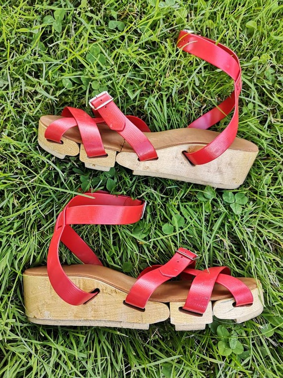 40s Flexiclogs 1940s RARE Sandals in Red! - image 1