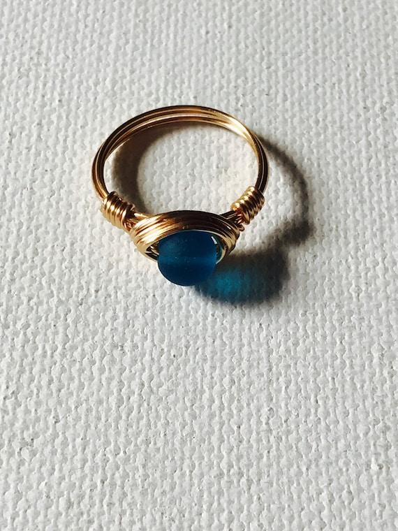 Ocean Blue Sea Glas Golddraht umwickelt Ring | Etsy