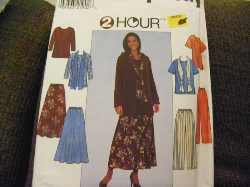 Simplicity 8226 Misses/' Top Pants and Scarf     Sewing Pattern Skirt