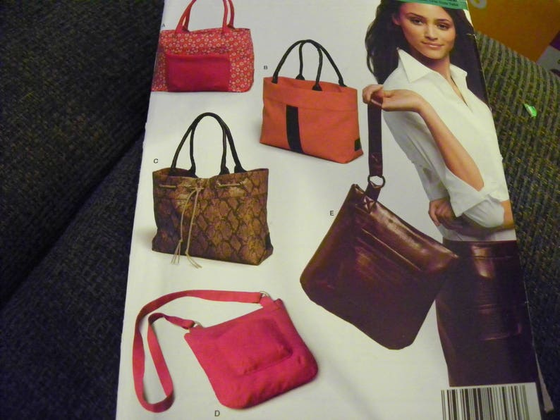 2cd272fc3667 6425 NewLook Sewing Pattern - Purses, Bags, Totes - 5 Different Styles