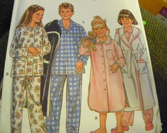 Sewing Pattern - Simplicity New Look For Kids 6585 - Nightgown, Pajamas x2, And Robe