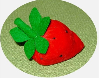 Pin Cushion: Vintage Strawberry Style