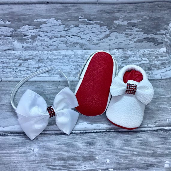 47dc7b216a55 Red Sole White Baby Sparkly Bow Moccasin Pram Shoes and