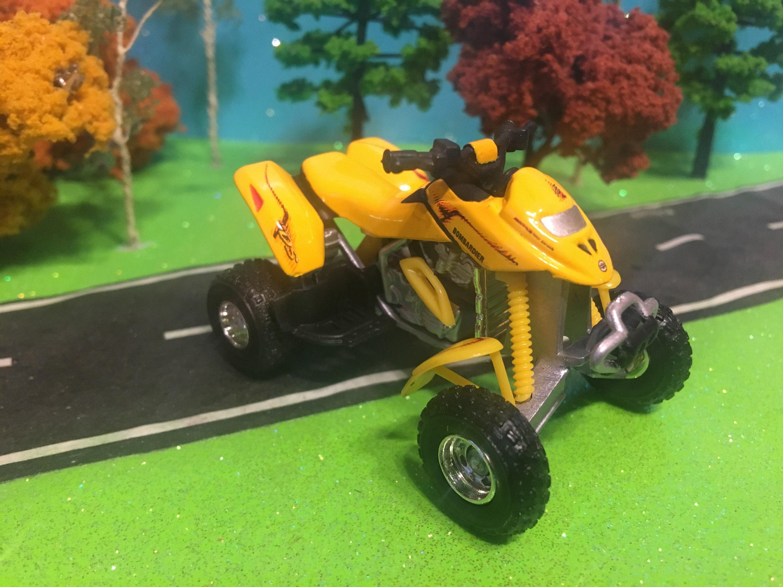 Polaris Sportsman 450 ATV Yellow /& Black Ertl Die-cast Licensed Product NEW