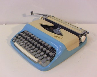 Sky Baby Blue Consul 323 Small Portable Typewriter, Working typerwriter Qwerty Keyboard, Metal, New Ribbon, Consul