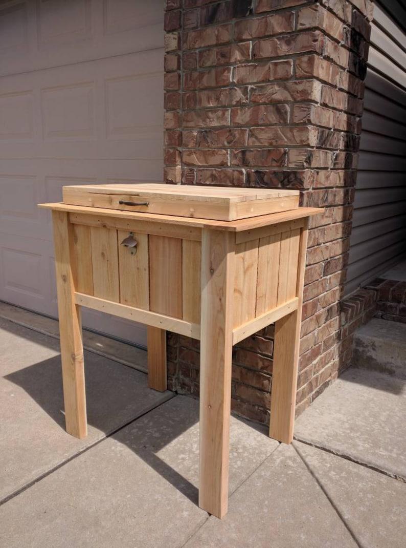 Charmant Homemade Cedar Patio Cooler Stand.