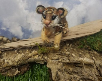 Needle felted tiger, handmade tiger, Jungle animal, OOAK, Fiber Artist Collectible, miniature tiger