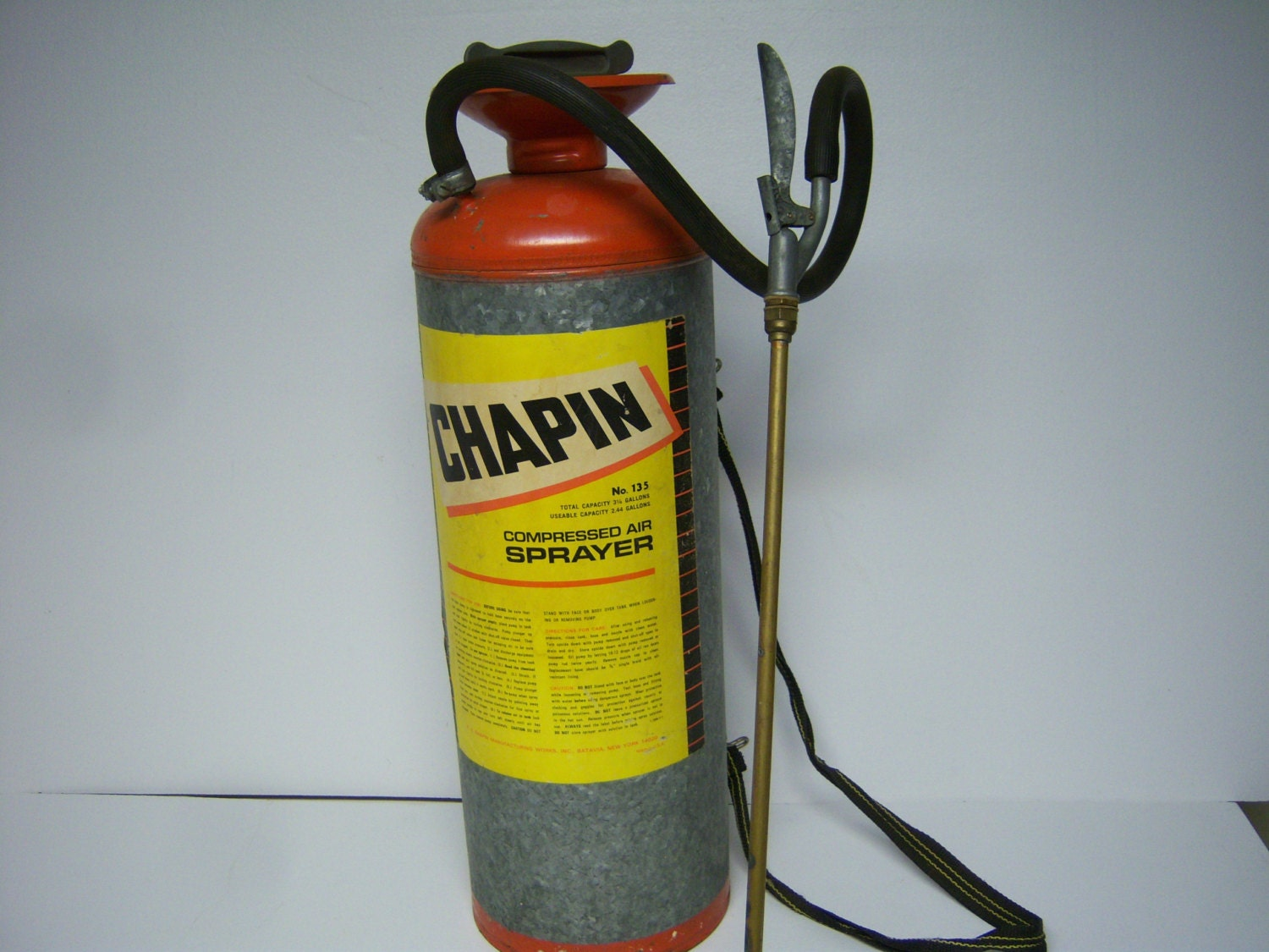 Chapin Compressed Air Sprayer, Vintage Garden Sprayer, #135, Good Used  Condition, Capacity 3 25 Gallons, Metal and Rubber Hose, Up Cycle