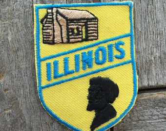 Illinois Vintage Souvenir Travel Patch from Voyager