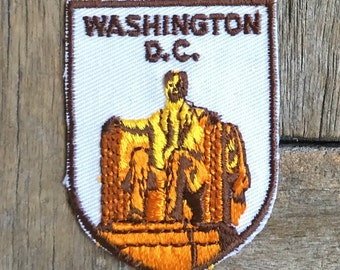 Lincoln Memorial Washington DC Vintage Souvenir Travel Patch from Voyager