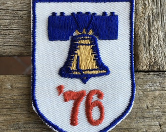 America 1976 Liberty Bell Vintage Travel Souvenir Patch from Voyager