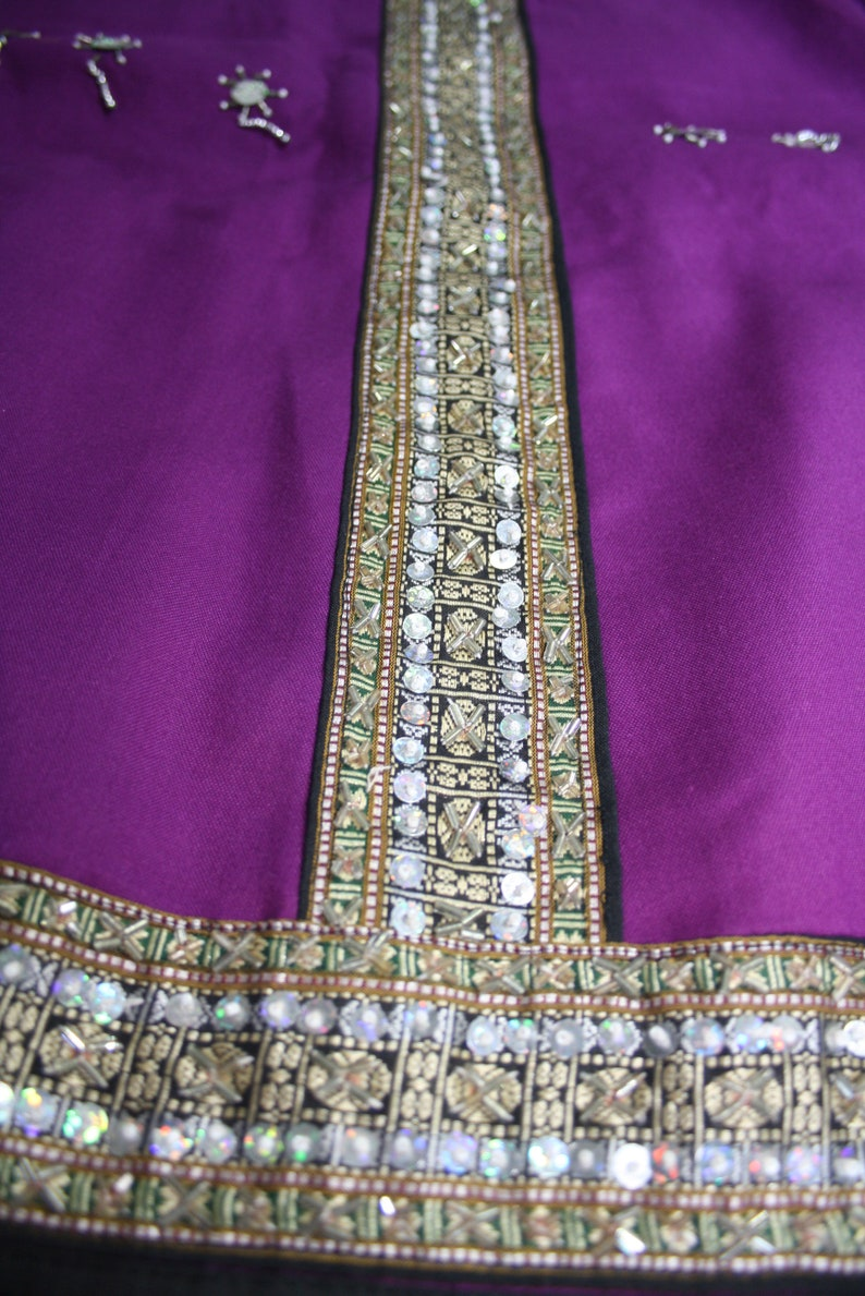 Vintage violet skirt with silver and golden embroidery Unique piece Hand made in india in old style Boho and ethnic style Size ajustable