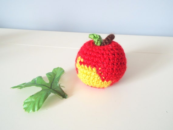 Crochet apple Crochet fruits Red apple Crochet food Home decor Kitchen decor Crochet gift Handmade fruits Gifts Crochet art and collectibles