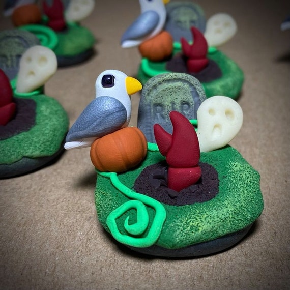 Miniature Cemetery Scene | Haunted Crab Sculpture | Ghost Crab Figurine | Graveyard with Seagull