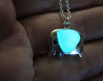 Small elephant and heart pendant  glow in the dark