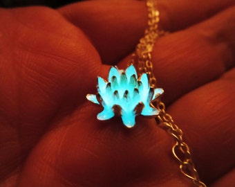 Glow in the dark small lotus necklace