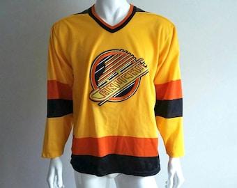 Vintage Vancouver Canucks Jersey - 80s - NHL Hockyey - CCM - Size Medium d9bdfdadc