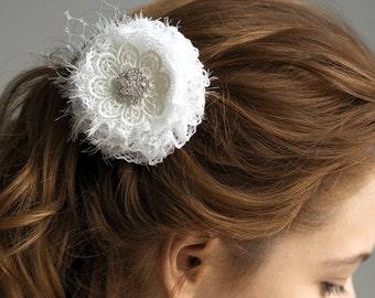 Bridal Flower Hair Clip White Flower Hair Clip Flower Wedding Hair Clip Bridal Hair Fascinator Shabby Chic Wedding Hair Clip Wedding Jewelry