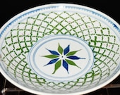 Antique chinese famille verte porcelain bowl painted 10 petals flower by surround net and light red under celadon glaze