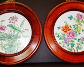 Pair of vintage Chinese rosewood round frames inserted hand painted famille rose lotus porcelain粉彩花卉掛屏