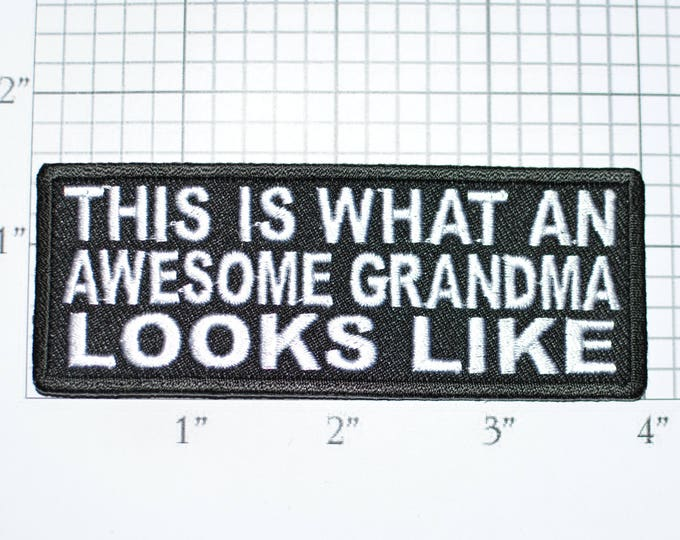This is What an Awesome Grandma Looks Like Iron-On Embroidered Clothing Patch Jacket Vest Shirt Novelty Badge Purse DIY Clothes Sewing t03a