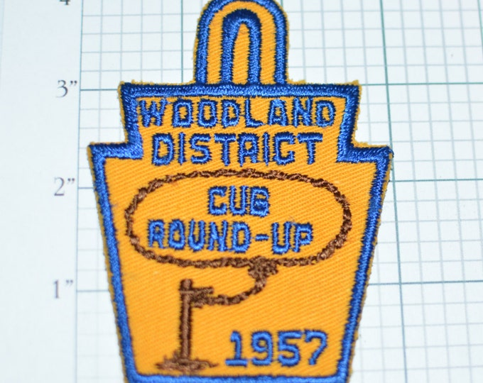 Woodland District Cub Round-Up 1957 Philadelphia Council Boy Scouts Patch BSA Patch Scouting RARE Vintage Pocket Patch e9b