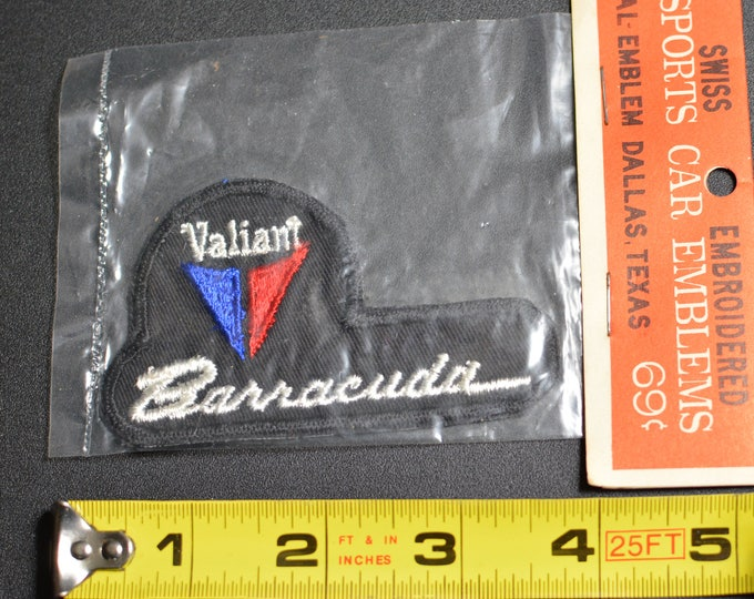 1960's Dal-Emblem Licensed Vintage Plymouth Valiant Barracuda Swiss Embroidered Patch Sew-on Applique Sports Car Emblems Automobilia t1
