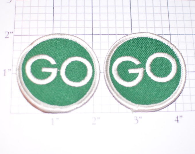 Green GO - Pair of Iron-on Embroidered Vintage Clothing Patches  (Lot of 2 Pieces) Traffic Light Road Sign Leave Start Begin Hole Repair s15