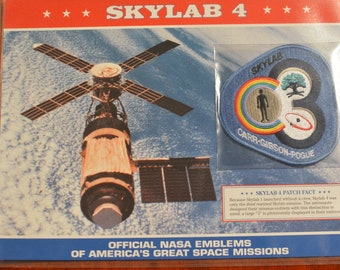 SKYLAB 4 Carr Gibson Pogue Orbital Space Station DISCONTINUED Mint NASA Space Mission Patch w/ Stats and Fact Card in Protective Sleeve