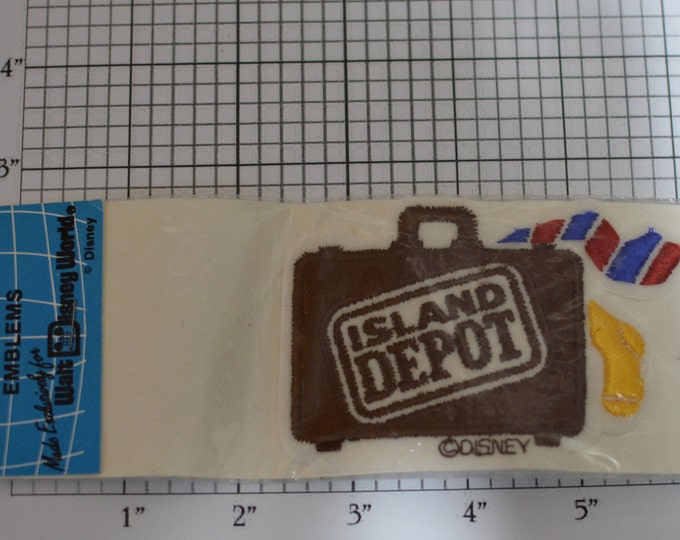 Island Depot (Original Packaging) 1989 Authentic Vintage Walt Disney World Iron-on Patch Jacket Patch Vest Patch Embroidered Patch e21L