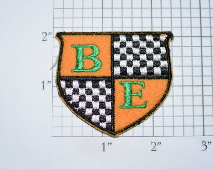 B E Checkered Flag Shield Crest Coat of Arms Emblem (Unknown Unit / Origin) Sew-On Vintage Embroidered Clothing Patch