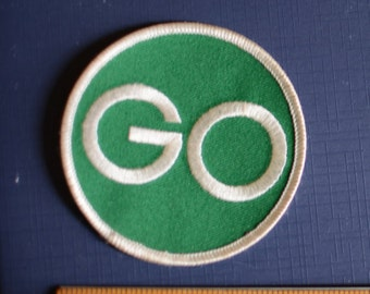 "GO - Vintage Iron-On Patch Green Light Signal Emblem - 3"" Circular - Traffic Light Right-of-way Jacket Patch Vest Patch Shirt Patch Hat s16"