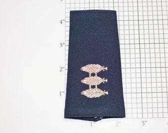 Three Stacked Leaves Metallic Silver Insignia (Unknown Origin) Vintage Uniform Shoulder Sleeve Board Mark Epaulet Emblem Collectible