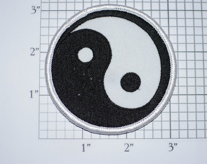 Yin and Yang Patch Iron-on Vintage Embroidered Clothing Patch Taijitu Taoism Hinduism Duality Yoga Balance Symmetry Asian Harmony Zen Hippie