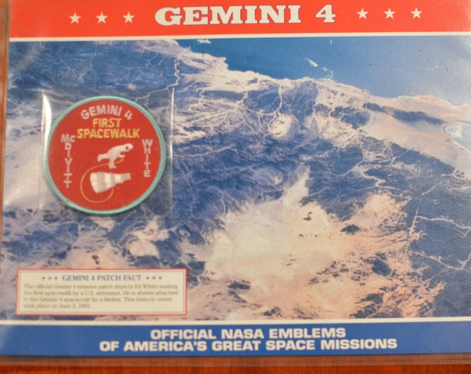 Gemini 4 (First Spacewalk) McDivitt White DISCONTINUED Mint Space NASA Mission Patch w/ Statistics and Fact Card in Protective Sleeve
