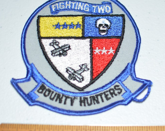US Navy Fighting Two Bounty Hunters Iron-On Vintage Patch Naval Air Station Lemoore California Strike Fighter Squadron 2 Military Pilot Dog