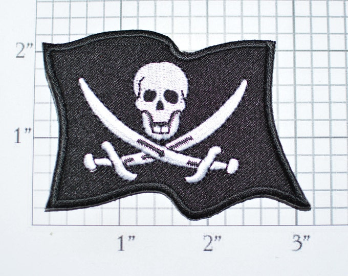 Jolly Roger Wavy Pirate Ship Flag Iron-on Embroidered Clothing Patch Skull Swords for Motorcycle Biker Jacket Vest Shirt Hat Costume Outlaw