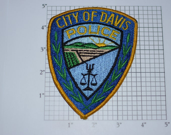 City of Davis (California) Police Rare Obsolete Iron-on Embroidered Vintage Clothing Patch Uniform Shoulder Collectible Memorabilia Costume