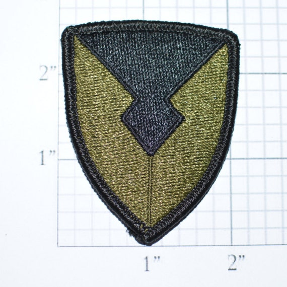 SUBDUED US VICTORY SIGN  Embroidered Iron Sew On Cloth Patch Badge APPLIQUE