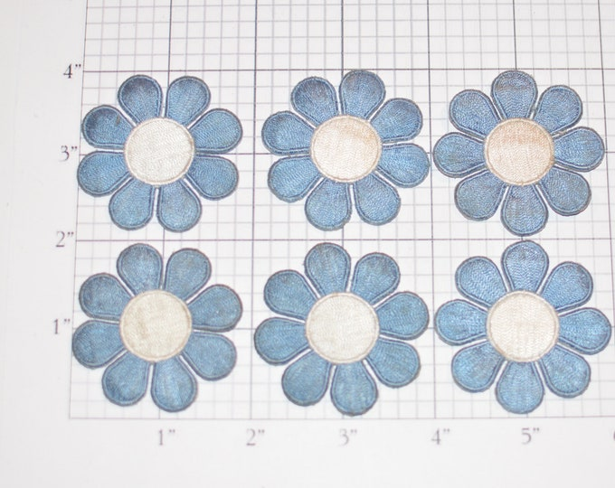 Flower Iron-on VINTAGE Patch Appliqué Lot (6 pieces) Blue / White 2-Inch Diameter for DIY Clothing Fashion Accent Hole or Stain Coverup