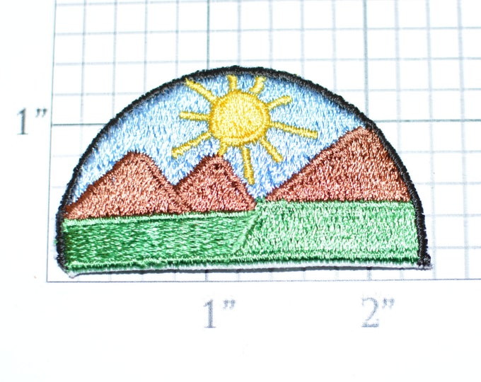 Sun Blue Sky Mountains Outdoors Iron-On Vintage Embroidered Patch Appliqué for Jean Jacket Vest Backpack Traveler Memento Hiking Mountaineer