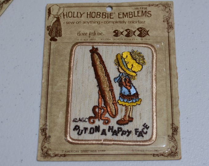 Put On a Happy Face AGC Holly Hobbie Emblems Sew-On Vintage Embroidered Patch Rare American Greetings DIY Clothing 1970's Sealed e19u