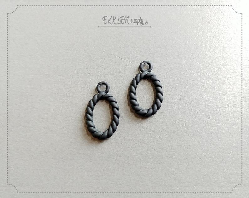 EM0094-BK necklace charm twiste rope charm making jewelry 2 PCS Elegant Rope pendant 20 x 11 mm Black matte rubber coated