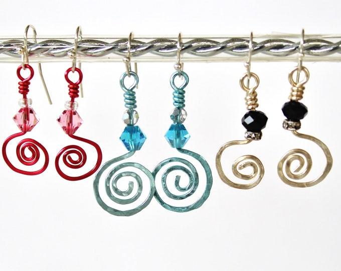 Wire swirl earrings, hammered wire earrings, colorful wire earrings, curlycue earrings, gift for her,wire gift earrings,treble clef earrings