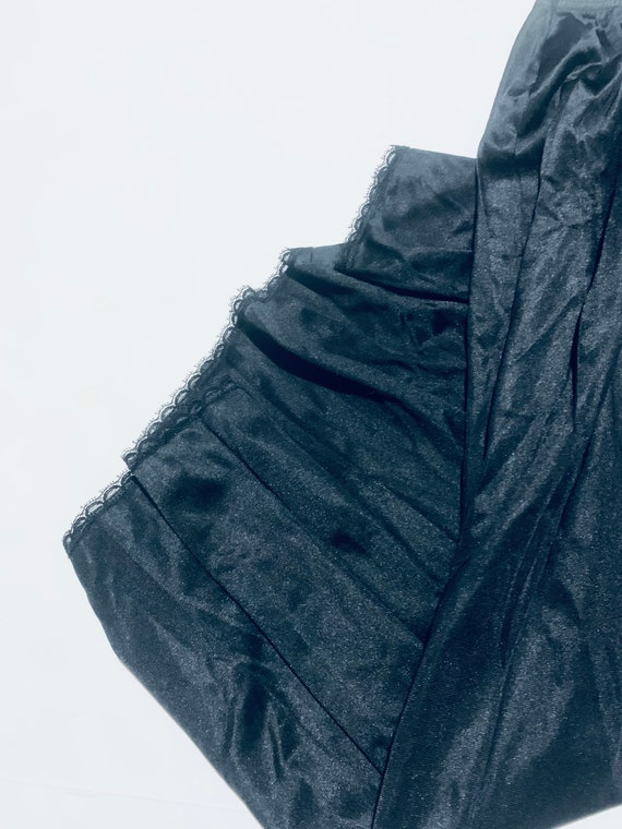 Vintage 1950 black lace slip. Elastic waist half … - image 4