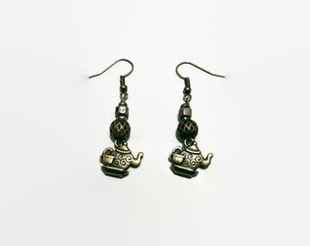 Steampunk gift earrings Jewelry Teapot jewelry Alice in Wonderland Earrings: Brass drop earrings with teapot and beads, FREE P&P in the uk.